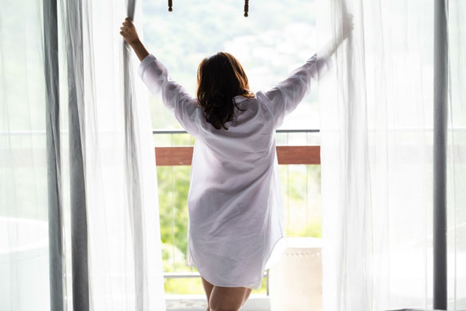 Mở cửa sổ để cho không khí lưu thông 1