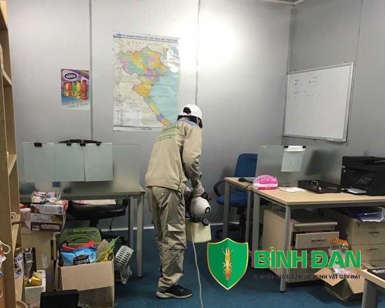 Hình ảnh phun thuốc muỗi tại văn phòng công ty 2