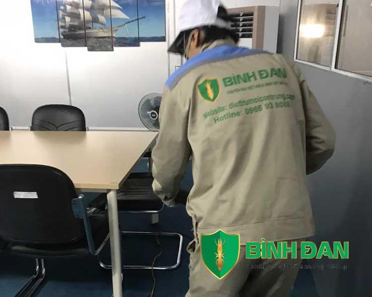 Hình ảnh phun thuốc muỗi tại văn phòng công ty 15