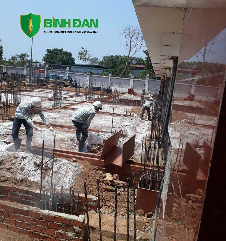 Hình ảnh thi công phòng mối cho công trình xây dựng mới 2