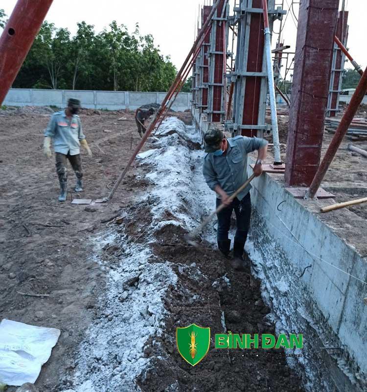 Hình ảnh thi công phòng mối cho công trình xây dựng mới 6